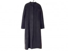ビーシービージーマックスアズリアのコート