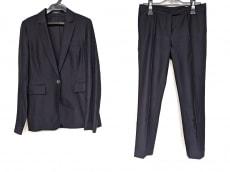 ジョセフのレディースパンツスーツ
