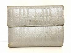 バーバリーの2つ折り財布