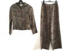 ケイコキシのレディースパンツスーツ
