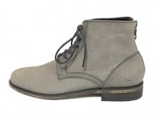 ハイストリートのブーツ