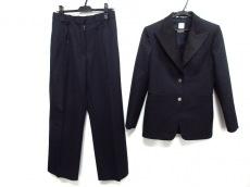 エルメスのレディースパンツスーツ