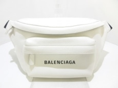 バレンシアガのエブリデイ ロゴ ベルトパック