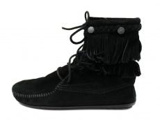 ミネトンカのブーツ