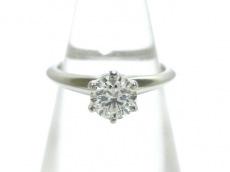 ティファニーのソリティアダイヤモンドリング
