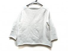 デミリーのセーター