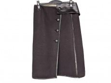 アドーアのスカート