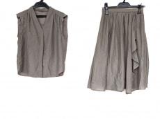 リランドチュールのスカートセットアップ