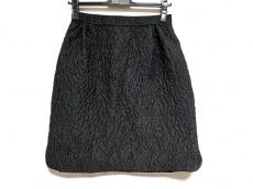 ジャンバティスタヴァリのスカート