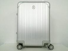 メルセデスベンツのキャリーバッグ