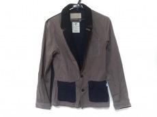 ファクトタムのジャケット