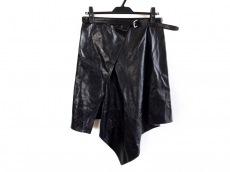 アンドゥムルメステールのスカート