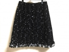 ポールカのスカート