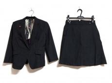 ブラックレーベルポールスミスのスカートスーツ