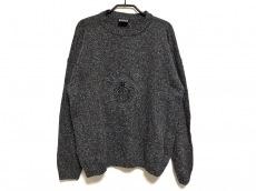 ヴェルサーチジーンズのセーター