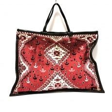 エンシャーラのハンドバッグ