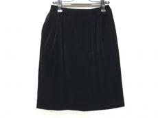 フォクシーブティックのスカート