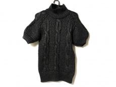 ジャンバティスタヴァリのセーター