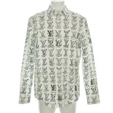 ルイヴィトンのシャツ