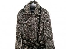 アクリスのコート