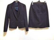 ナラカミーチェのスカートスーツ