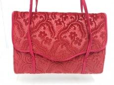 ルルギネスのハンドバッグ