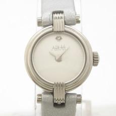 アーカーの腕時計