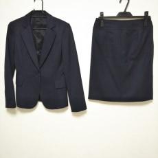 ユナイテッドアローズのスカートスーツ