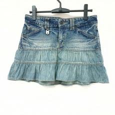 ロアーのスカート