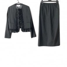 ローブドシャンブル コムデギャルソンのスカートスーツ