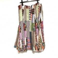アンリアレイジのスカート
