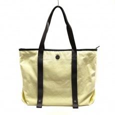 ルルレモンのショルダーバッグ