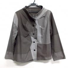 ジウ/センソユニコのジャケット