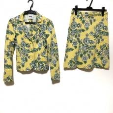 モスキーノのスカートスーツ