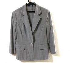アクアスキュータムのジャケット