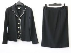アニエスベーのスカートスーツ