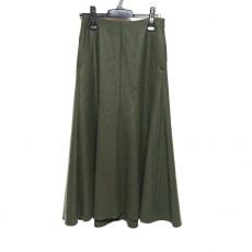 オーラリーのスカート