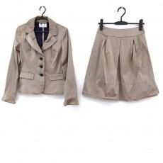 オースチンリードのスカートスーツ