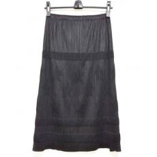 PLEATS PLEASE(プリーツプリーズ)のロングスカート