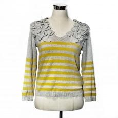 カオンのセーター