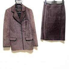 フェンディのスカートスーツ