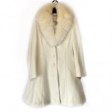 エミリアウィズのコート
