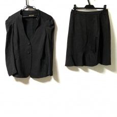 ヒロココシノのスカートスーツ