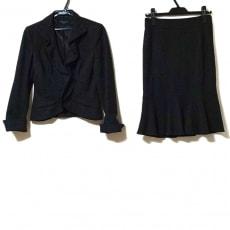マテリアのスカートスーツ
