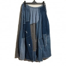 キャピタルのスカート