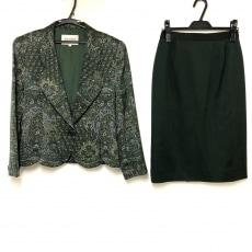ジュンアシダのスカートスーツ