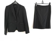 アイシービーのスカートスーツ