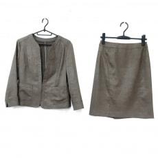クードシャンスのスカートスーツ