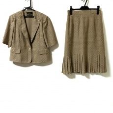 レリアンのスカートスーツ