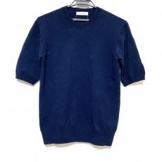 マディソンブルーのセーター
